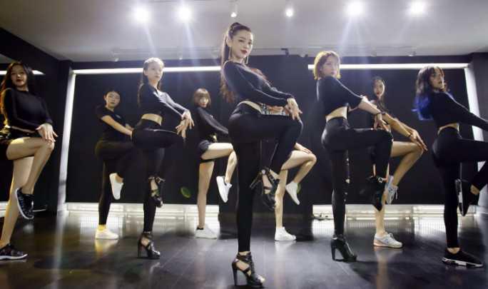 街舞难学吗?
