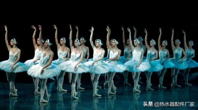"""芭蕾舞为什么被称为""""脚尖上的舞蹈""""?"""