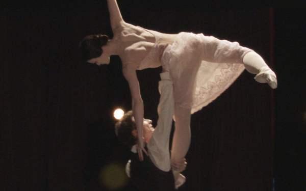 芭蕾舞演员男女要怎样控制生理反映?